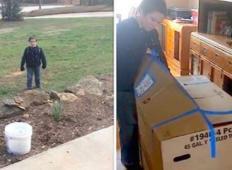 Fantek je bil prestrašen, ker mami ni povedal za paket, ki ga je dobil.  Ko jo je odprl je začel kričati!